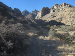 Road entering the lower reaches of Windmill Canyon.