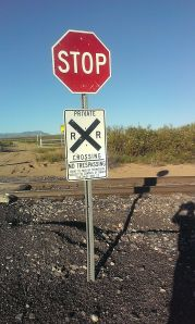 Sign for private rail crossing, making the southern approach inadvisable.