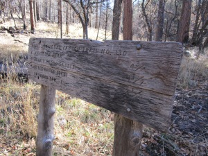 Sign at the junction of East and West Railroad Canyon