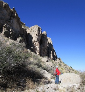View of cliff-tops above the dry falls in Beeman Canyon.