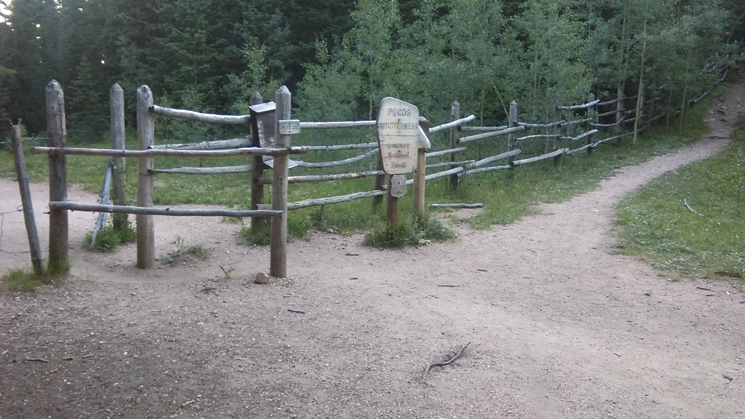 03a fence at National Forest border